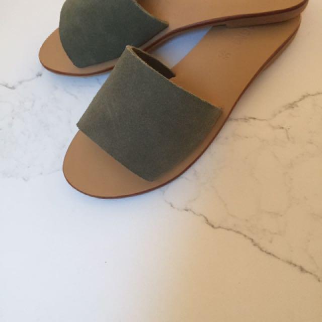 St Agni Olive Slides