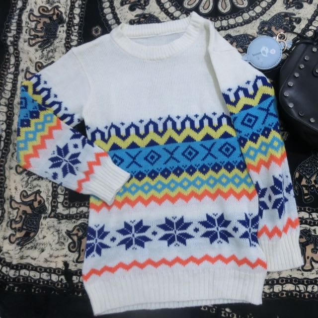 Sweater Rajut Broken White