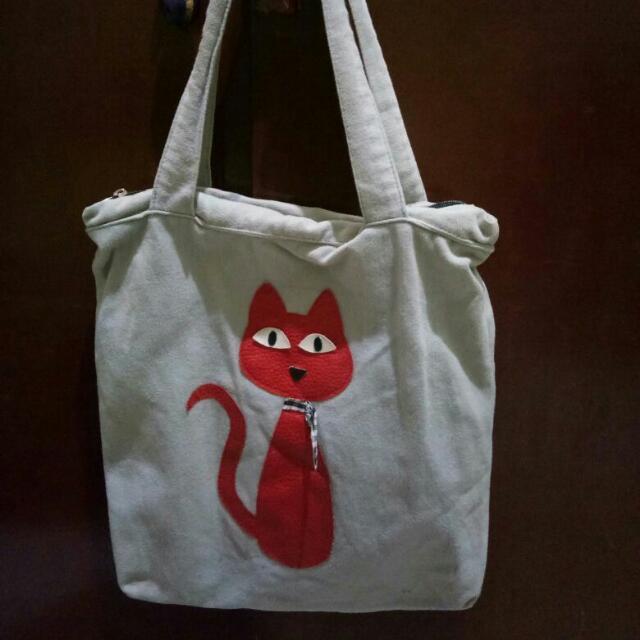 Tottebag Cat