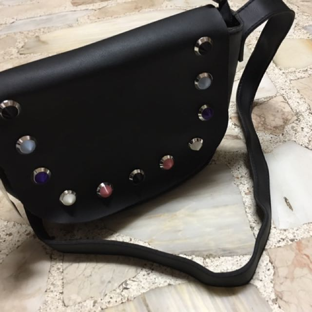 Trendy Chic Sling Bag With FREE POUCH!