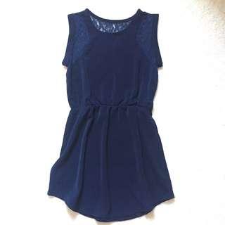 Sleeveless Dress W Lace Detail