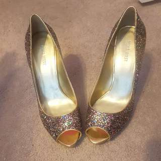Nine West Gold Glitter Heels Size 9