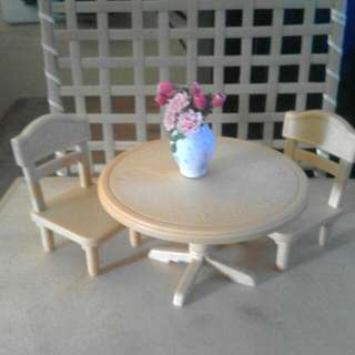 Sylvanian Families Table and Chair Set