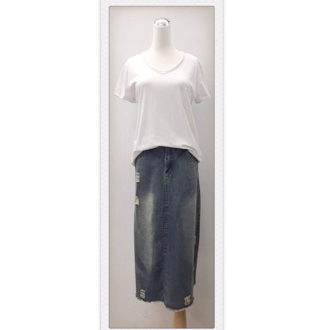 017S267 - 薄丹寧抓破刷色下襬鬚邊七八分長裙