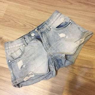 50%淺藍牛仔短褲