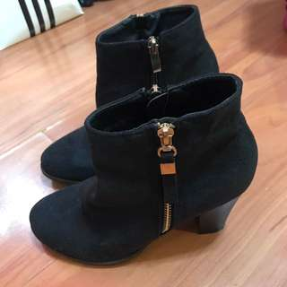 Marie Claire Suede Boots