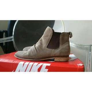 Tony Bianco chelsea Boots Size 7