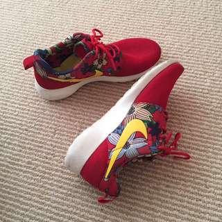 Limited Nike Shoes!!! Amazing Price