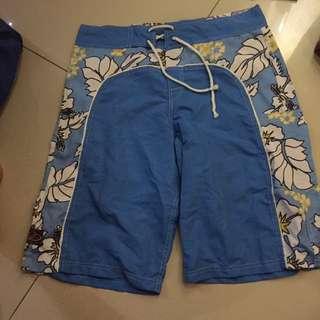 Celana santai Bali