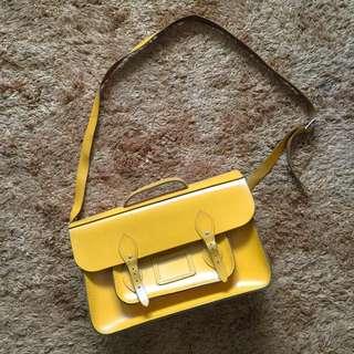 "Cambridge Batchel in Leather 15"" in yellow - Original"