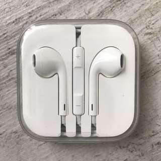 Apple EarPods Headphone