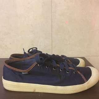 急售 便宜賣 Palladium 防潑水材質的帆布鞋款