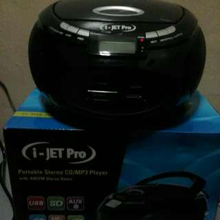 I-JET PRO PORTABLE STEREO CD/MP3 PLAYER