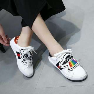 GUCCI WOMEN'S WHITE ACE SNEAKER WITH REMOVABLE PATCHES