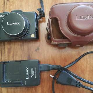 Lumix Dmc Lx5 Digital Camera With Charger, Case, Etc