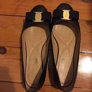 Salvatore Ferragamo Varina Flats Black Size 6C