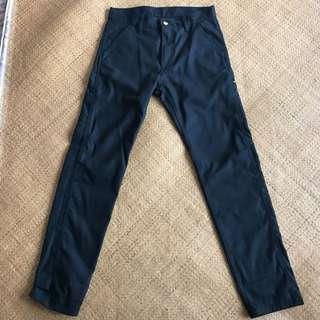 Carhartt 黑色長褲 (扯布褲)