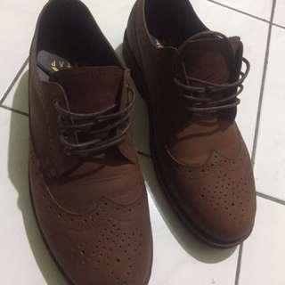 Sepatu Kulit Coklat