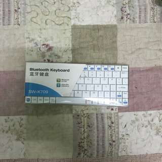 Bluetooth Keyboard For Portable Device