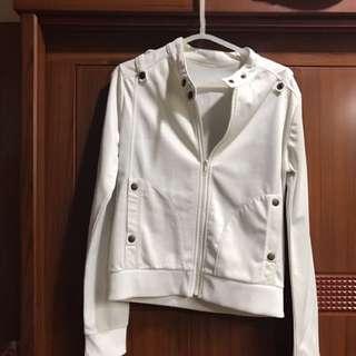 白色酷帥騎士外套