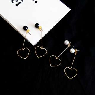 【flyer的旅行箱】韓版甜美鏤空愛心幾何長款珍珠耳釘 耳環/耳飾/耳針 兩色 可改夾式