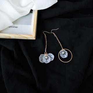 【flyer的旅行箱】歐美半透個性不對稱貝殼花瓣珍珠耳環/耳飾/耳針