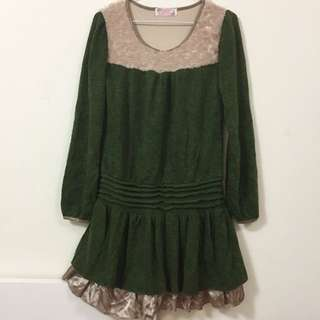 綠色旋花毛料洋裝 含小披肩