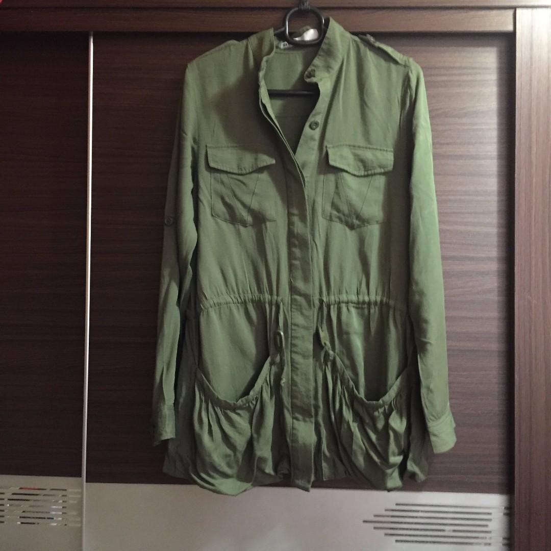 日本 Sly 軍綠色輕薄風衣 Wind Coat (1號)