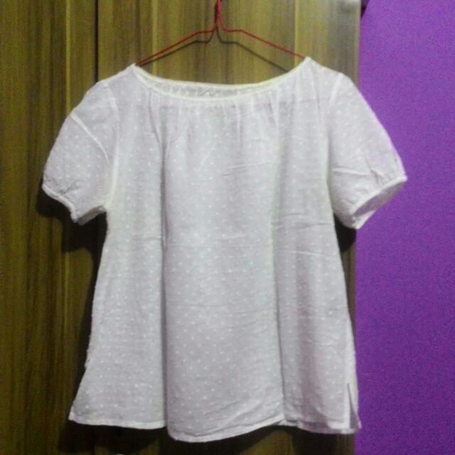 Baju Putih Lucu