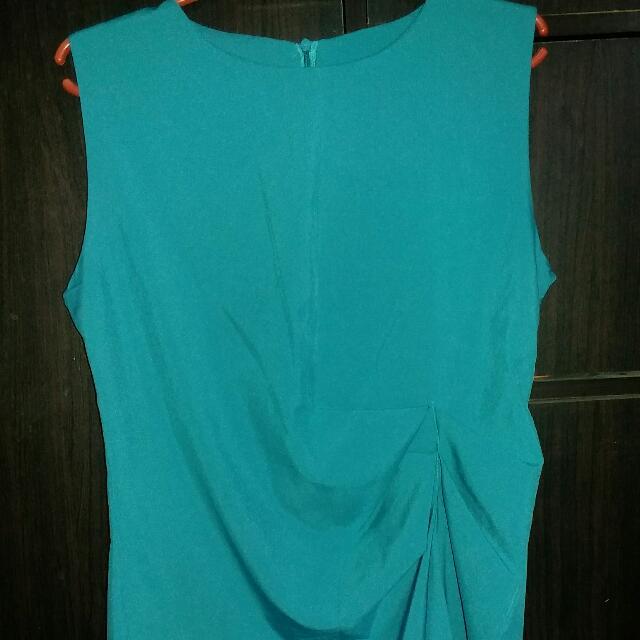 Blue green top