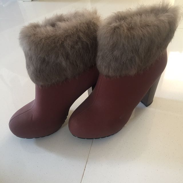 Brand New Size 7 Boots