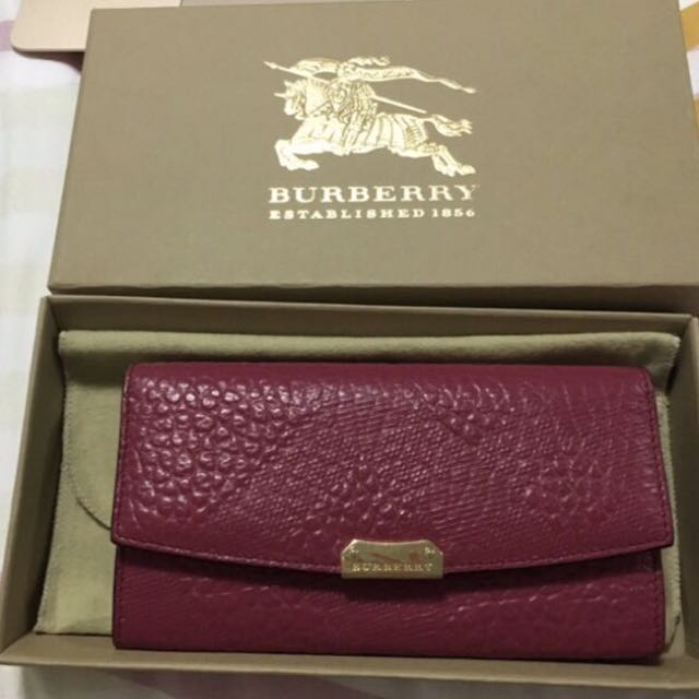 Burberry Leather Continental Walley