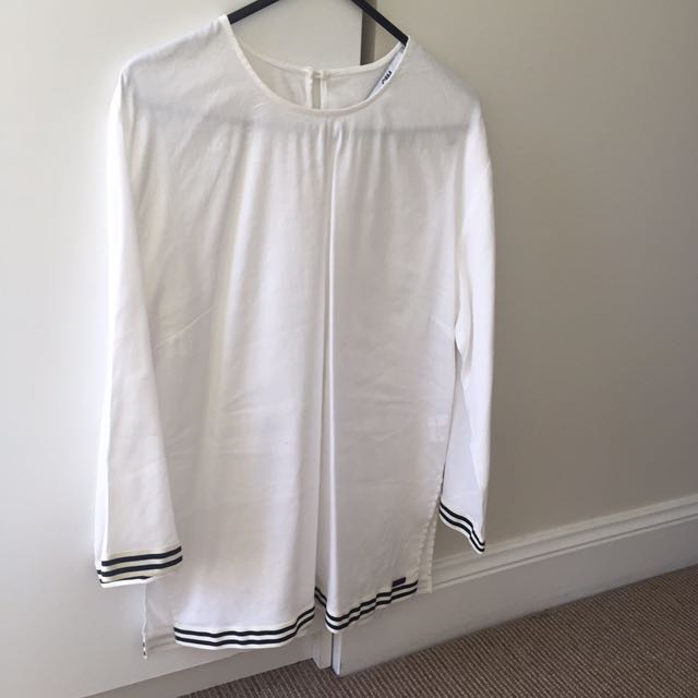Camilla And Marc Top Size 6