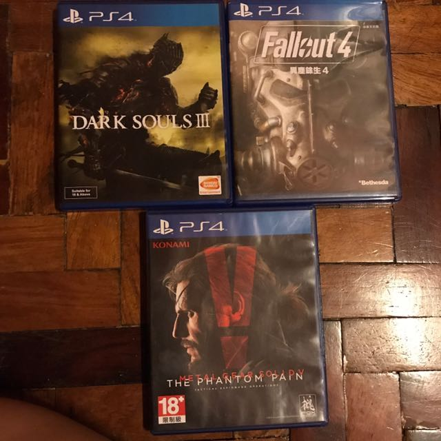Dark Souls 3, Fall Out 4 And Metal gear Solid V PS4 cds