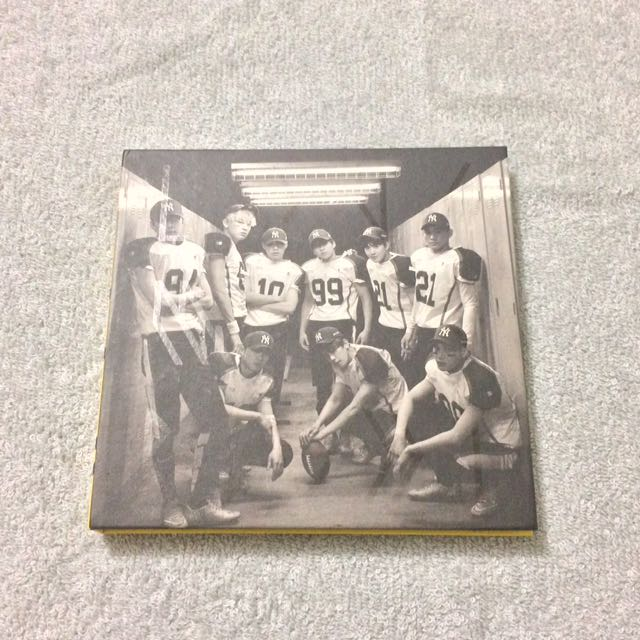 EXO Love Me Right Albums (Korean and Chinese Versions)