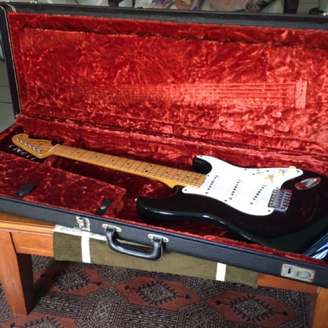 Fender Strat Crafted In Japan Black