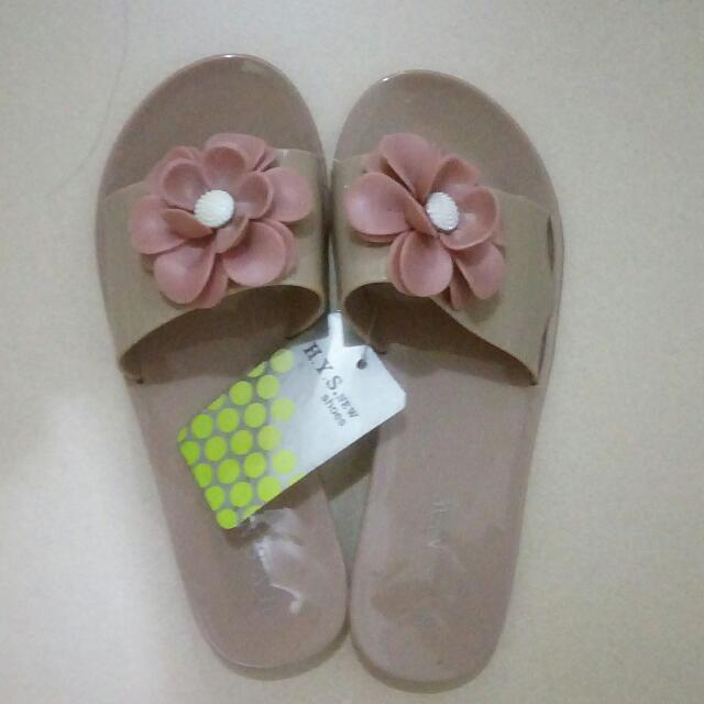 Flower Jelly Shoes 🌼