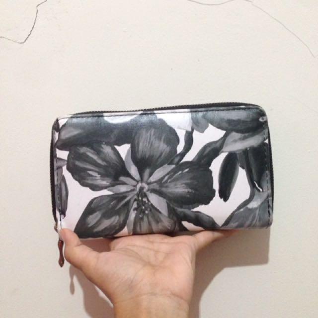 Flowery BnW Wallet