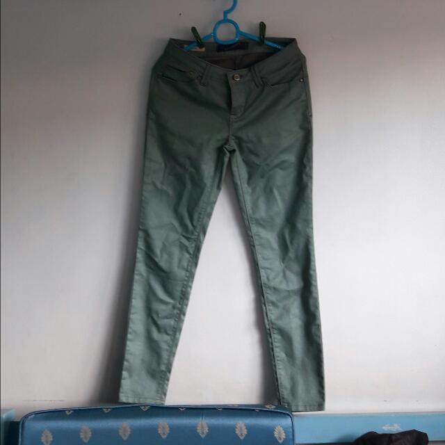Folded & Hung Pants