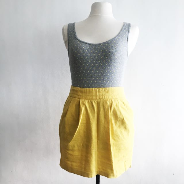 Forever 21 Yellow Pleated Skirt