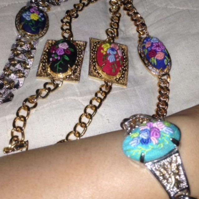 gelang etnik batu sulam