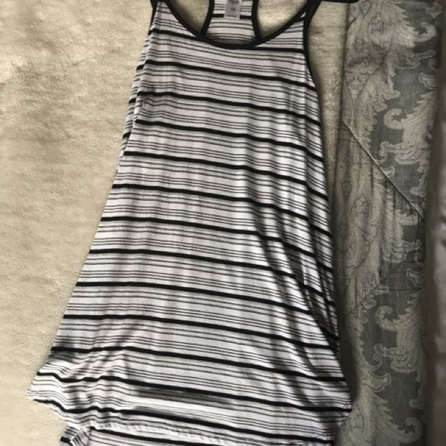 Loose Dress, Size 8 Black And White