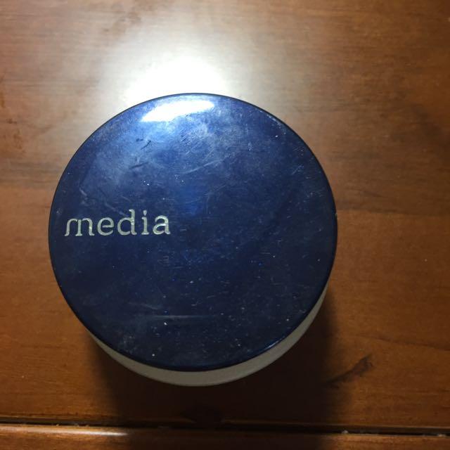 media媚點粉底液
