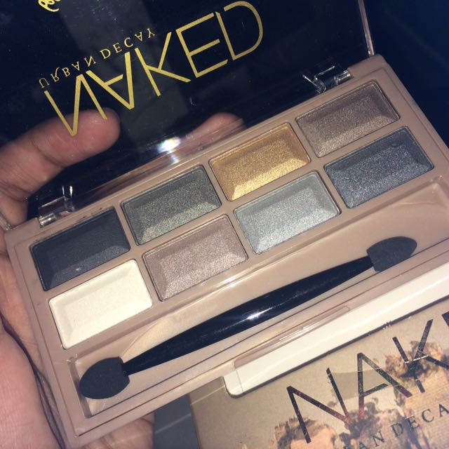 Naked Urban Decay Eyeshadow Pallet 8 colors