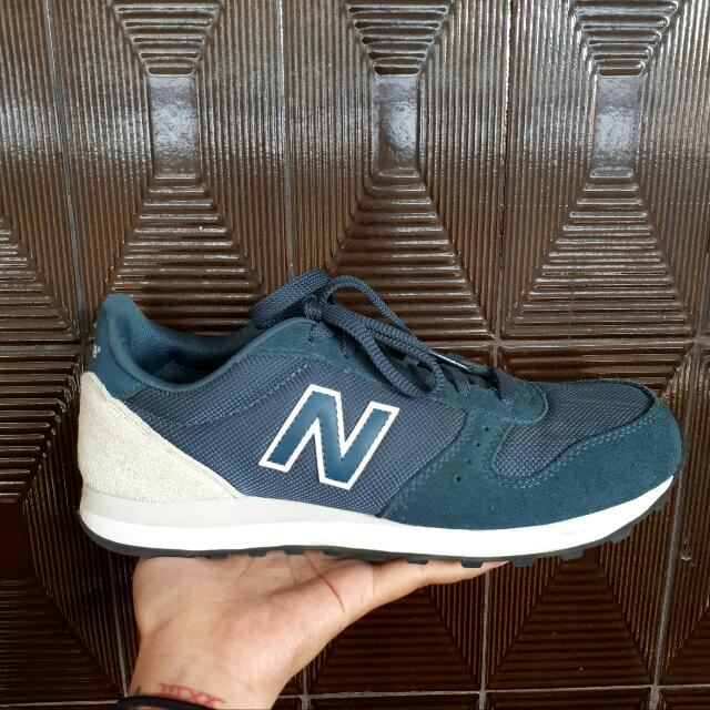 New Balance 311 Shoes