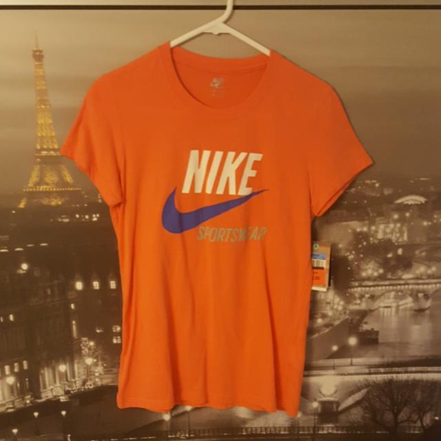 Nike Sportswear Orange T-Shirt   Size M