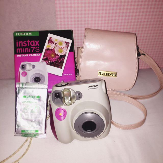 Polaroid ( Instax Mini 7s )