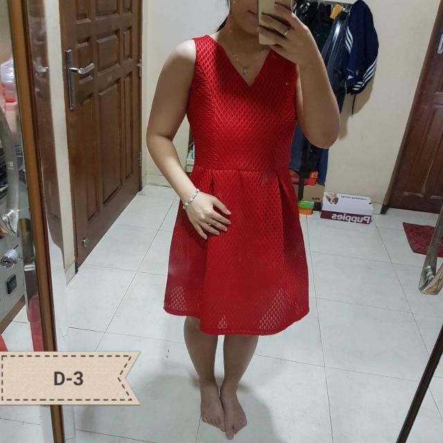 Red V Dress Merahnya Bagus 😍
