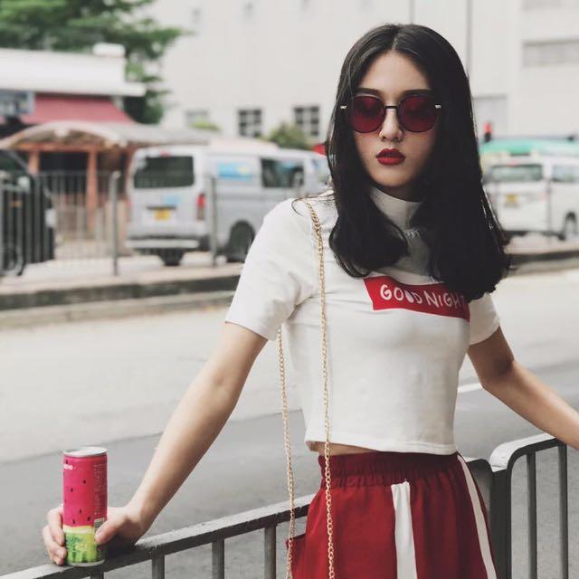 夏季新款半高領後背破洞字母印花短款T恤女上衣學生潮