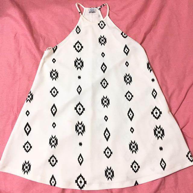 Zara白色圖騰削肩洋裝 全新 原價近2000
